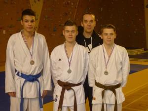 Amir B, Kevin G, Youenn M, Maitre Laurent